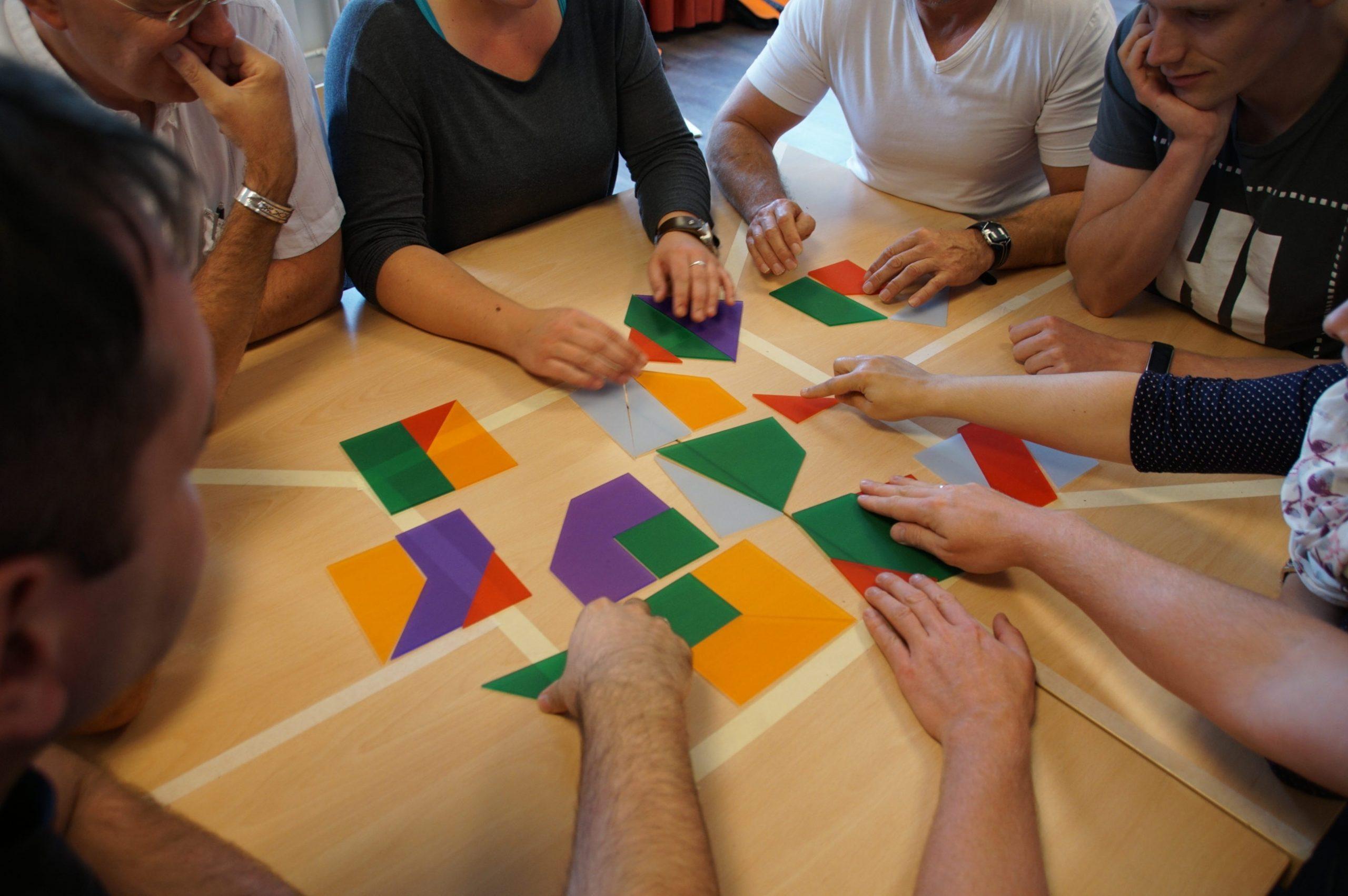 Als Gruppe wachsen - Wir helfen Auszubildenden, Ausbildern und Unternehmen Teamfähigkeit, Zusammenhalt und Vertrauen zu entwickeln.